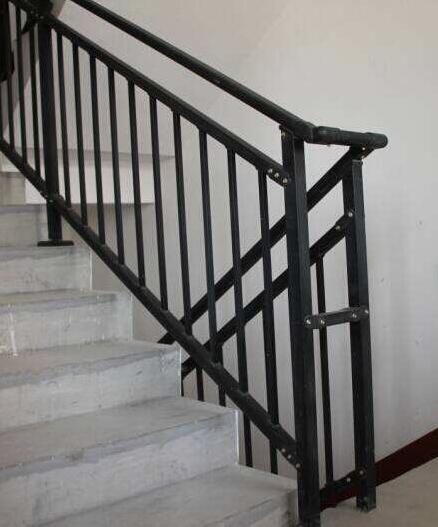 蒋先生购买襄阳楼梯扶手达成长期合作