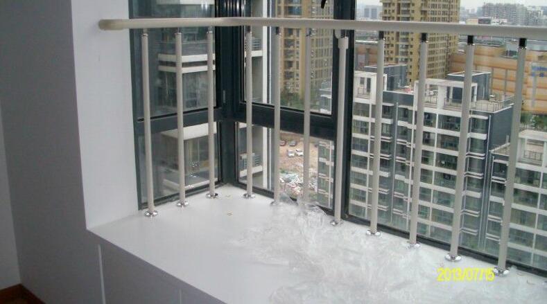 襄阳阳台锌钢百叶窗