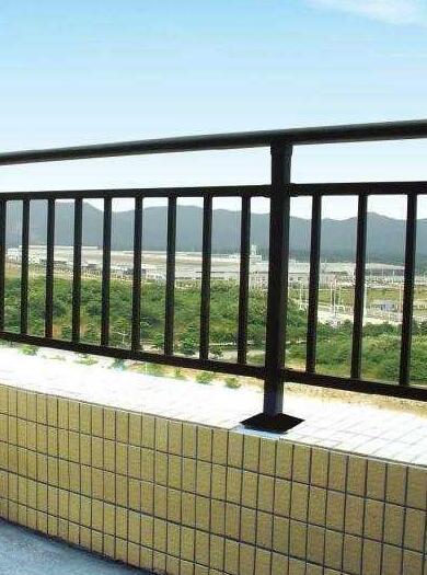 襄阳良胜锌钢护栏为什么不生锈?这三点为您分析原由!