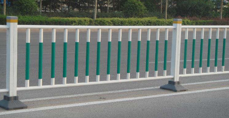 湖北良胜所生产的道路护栏