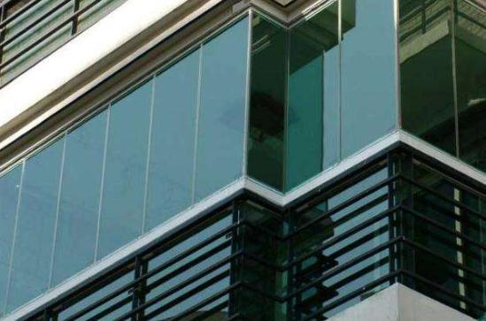 襄阳玻璃阳台护栏
