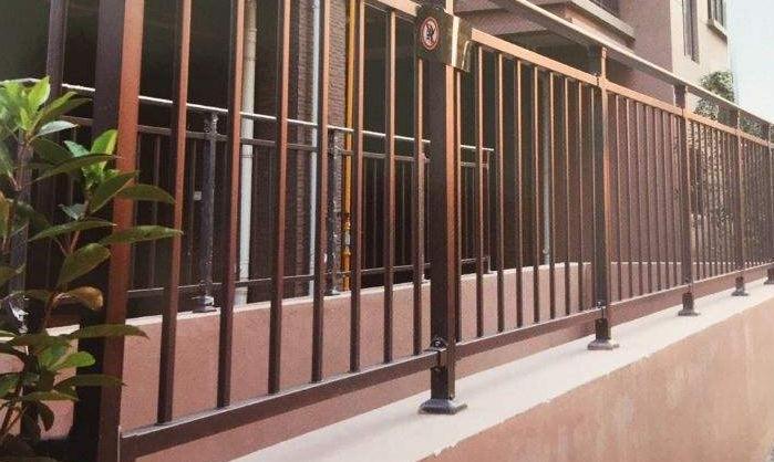 常见的阳台护栏的种类有哪些呢?不同种类的阳台护栏有什么特点呢?
