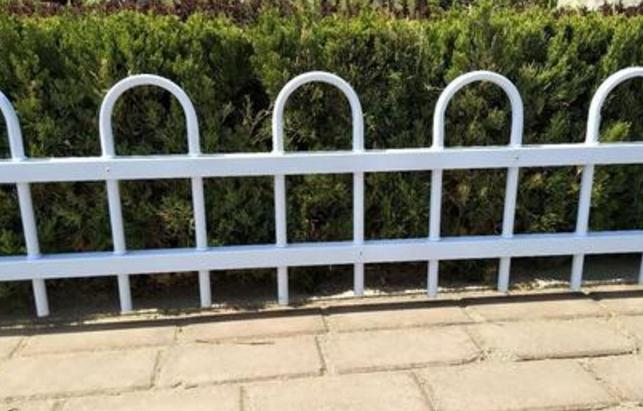 从这四方面来辨别锌钢草坪护栏的质量好坏