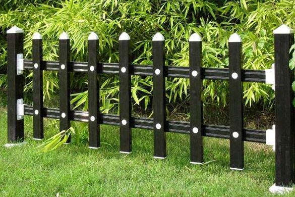 生活中十分常见的草坪护栏,其新型产品有以下几点的优势