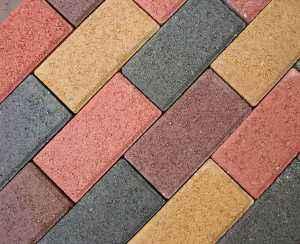 透水砖和环保彩砖到底有哪些不同?