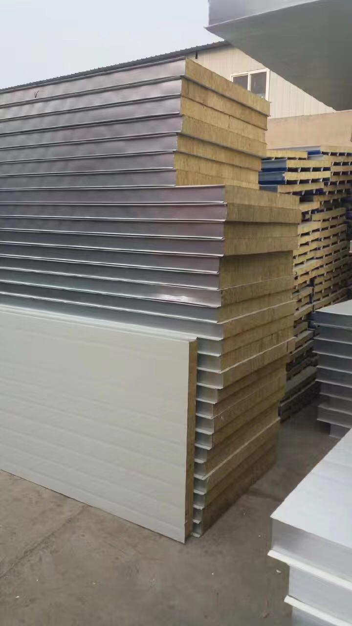 彩钢夹芯板厂家和你说说成都夹芯板的特点和规格