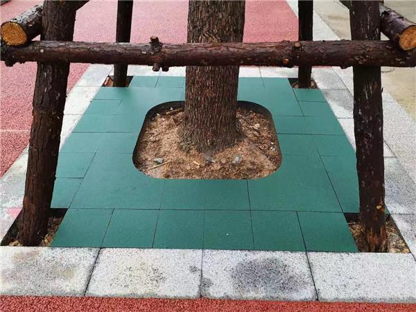 成都砂基透水砖铺设