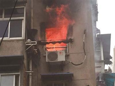 居民樓突發大火