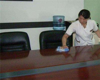 办公楼中清洗保洁的服务规范是什么?快来一起了解吧