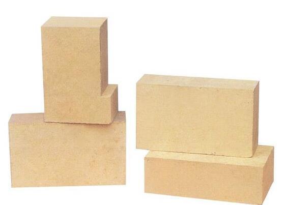 耐火高铝砖由什么材料制成?