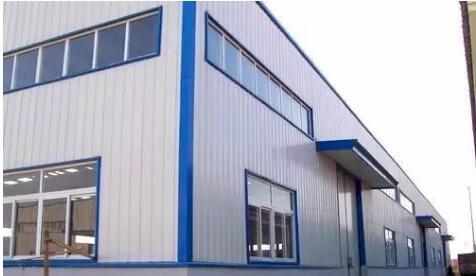 小编向你详谈西安彩钢板和净化彩钢板之间的区别有哪些?