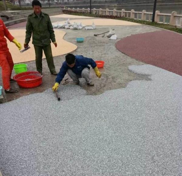 四川彩色透水混凝土施工