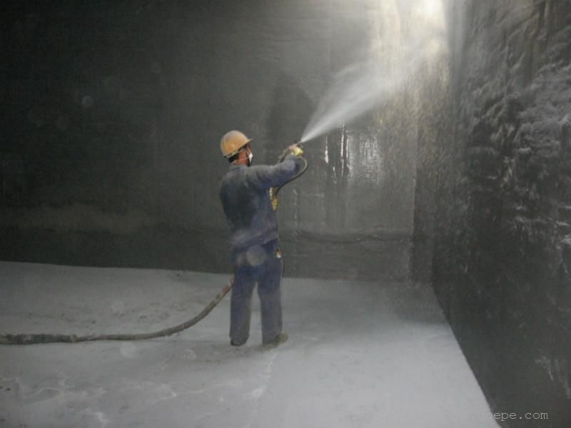 聚脲防水喷涂施工时的注意事项