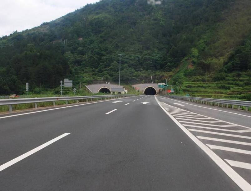 四川内江至宜宾高速公路