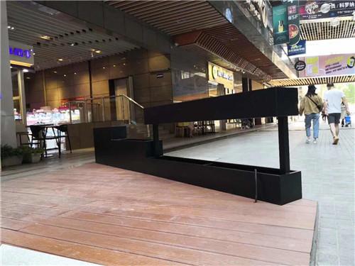 中贸广场步行街安装不锈钢花箱