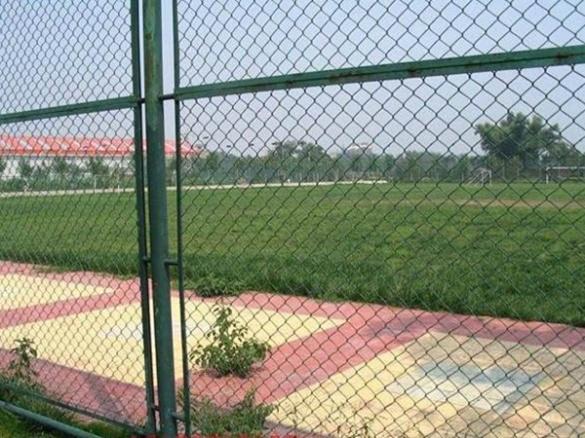 成都防护网厂家成功案例:金牛球场护栏网案例