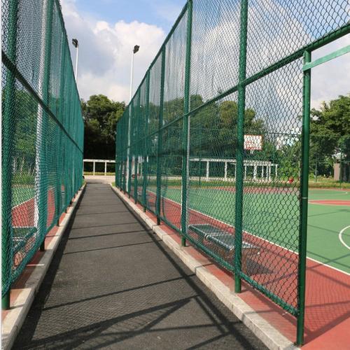 球场围栏网怎么防止生锈