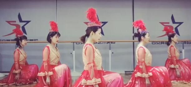 维族舞《花儿》