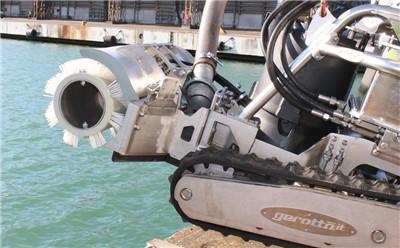 面对有限空间事故风险,选这款公牛水下吸污机器人来助你