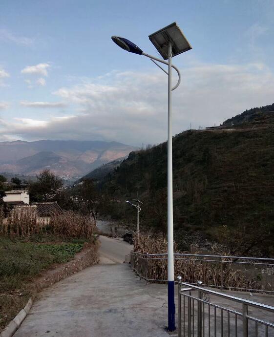 四川太阳能路灯案例展示