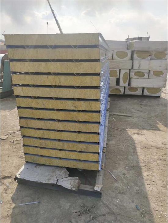 呼市岩棉彩钢板加工生产出品