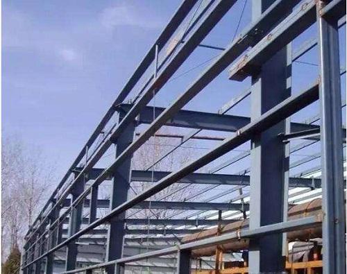 使用钢结构进行屋面施工的流程是什么呢?