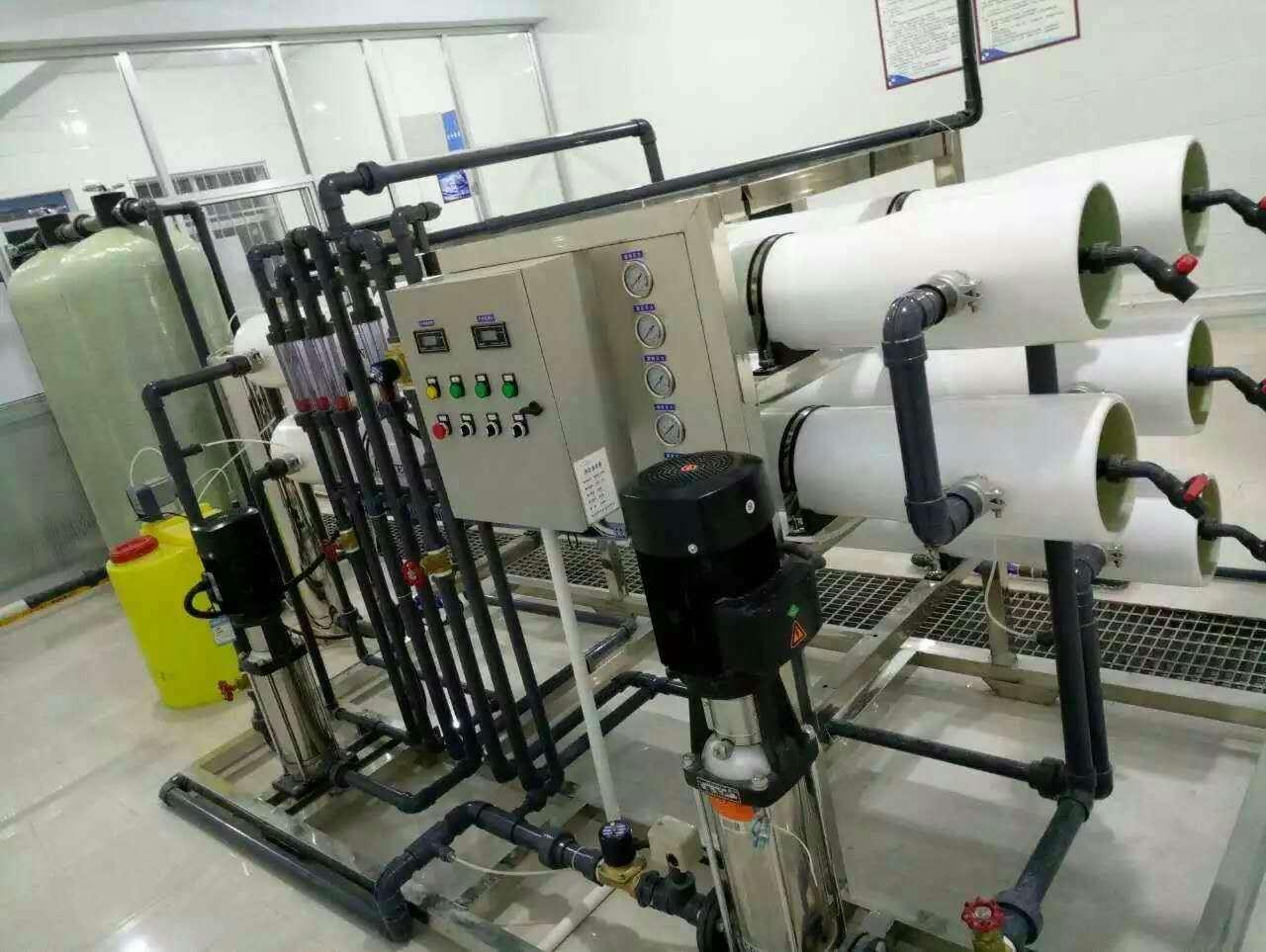 三种纯净水设备技术优缺点介绍