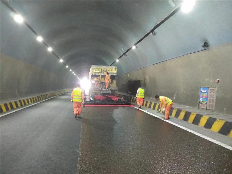 2019年沪武高速超粘磨耗层(凤凰山隧道)