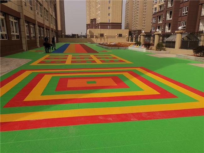 当阳某小区幼儿园彩色路面施工完成效果展示