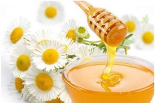 真蜂蜜才有滋补功效,假蜂蜜往往会对身体构成威胁