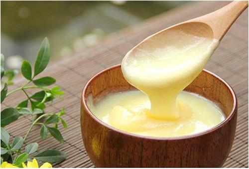 蜂蜜中含蜂王浆吗?蜂王浆是蜜蜂的什么东西?