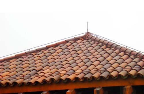 瓦屋顶缝隙漏水怎么处理