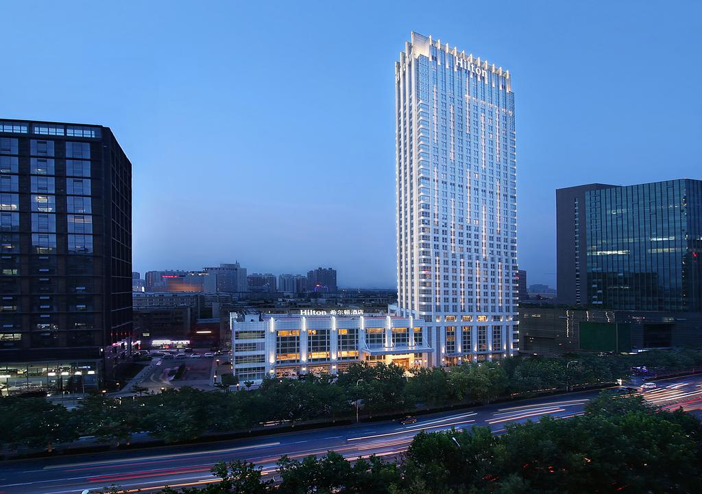 郑州希尔顿酒店与郑州酒店用品厂家君芝友合作