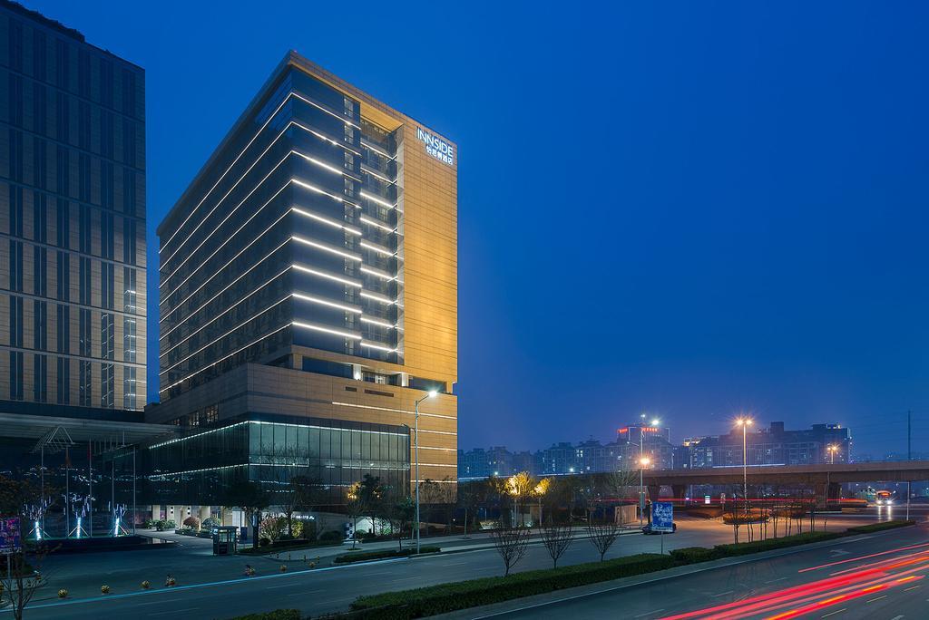 绿地怡思得酒店与郑州君芝友酒店客房布草达成合作