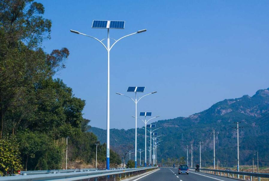 陕西太阳能路灯的工作原理,下面朗和照明告诉大家