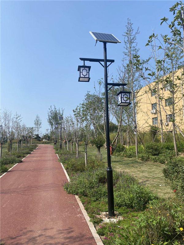河南省鹤壁市阿斗寨,4米仿古太阳能庭院灯亮化工程