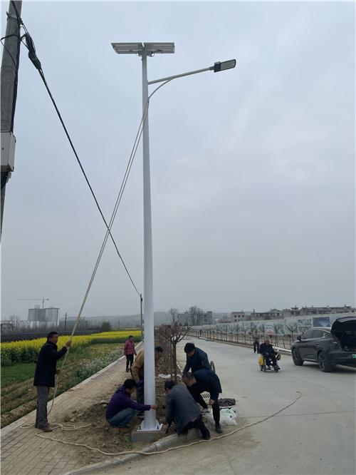 陕西省安康市汉滨区五里镇8米太阳能路灯亮化安装工程
