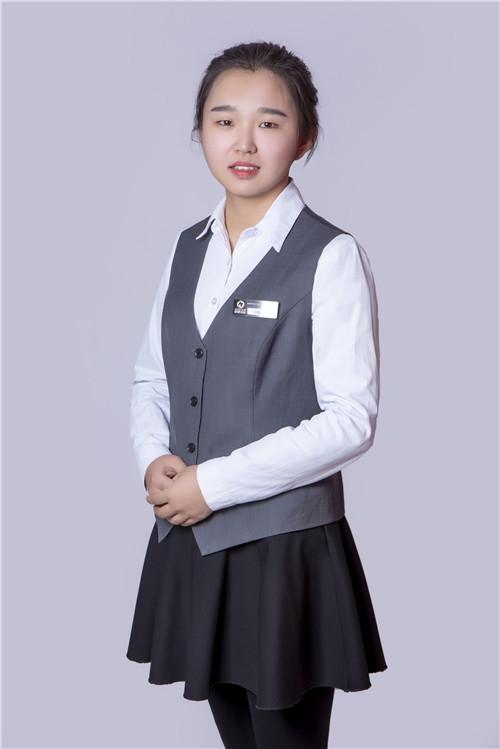 财务助理吕梅