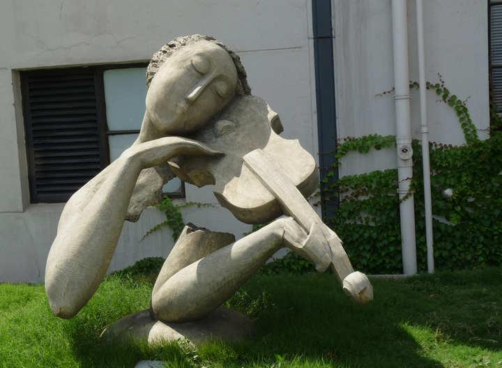 成都大型雕塑厂为大家介绍10个惊叹不已的大型雕塑
