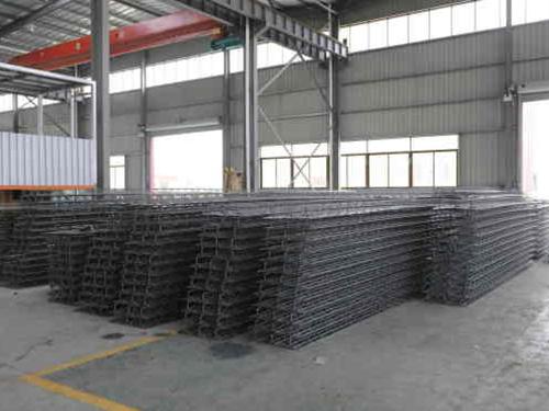 涼山鋼結構廠區環境