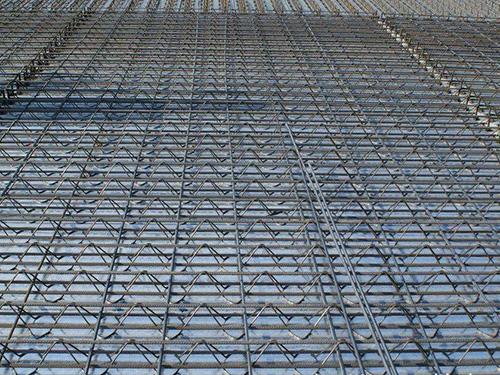 淺析鋼筋層架-西昌樓承板鋪設時的要求分析
