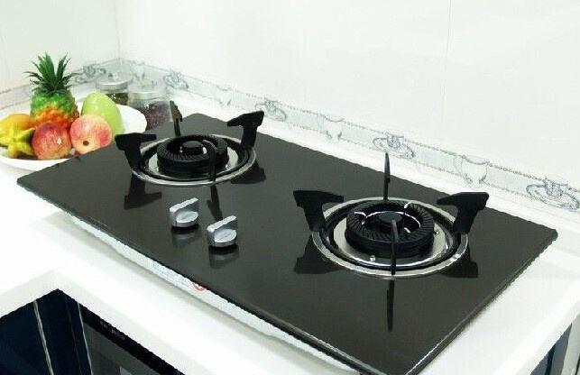 今日志祥小编给我们讲下遵义厨房设备煤气灶安装有哪些注意事项