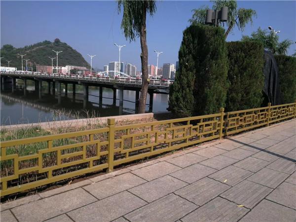 在制作四川市政护栏时要注意哪些细节问题