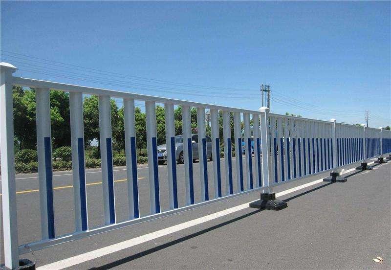 四川交通护栏在什么情况下安装?高度有哪些要求