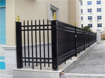 诚辉铁艺围栏自身具备哪些优异性能呢?