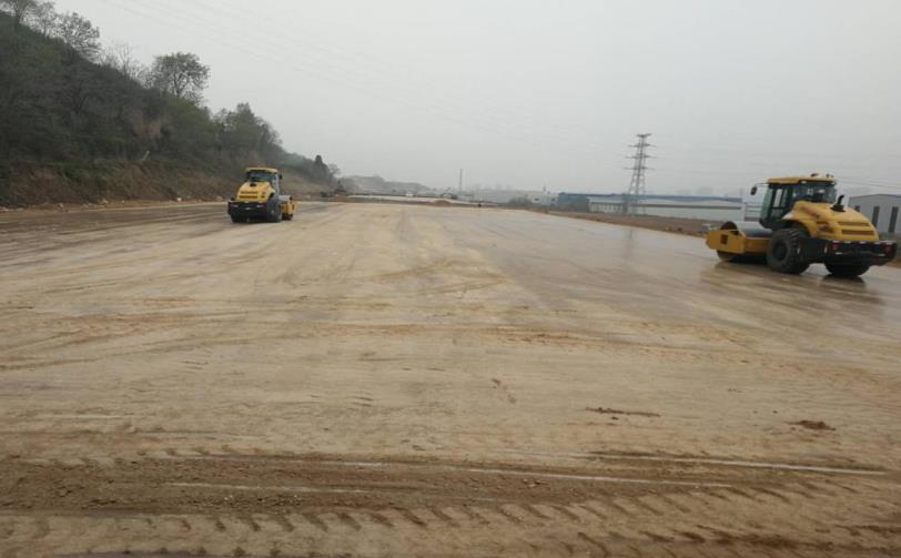 陜西西寶高速改擴建路基工程