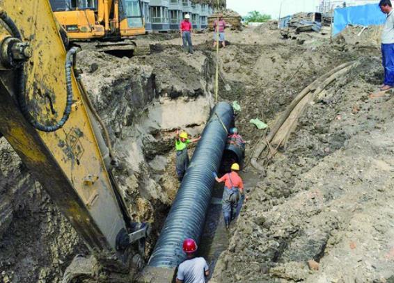 已与开发商合作枫林香溪排水管道施工