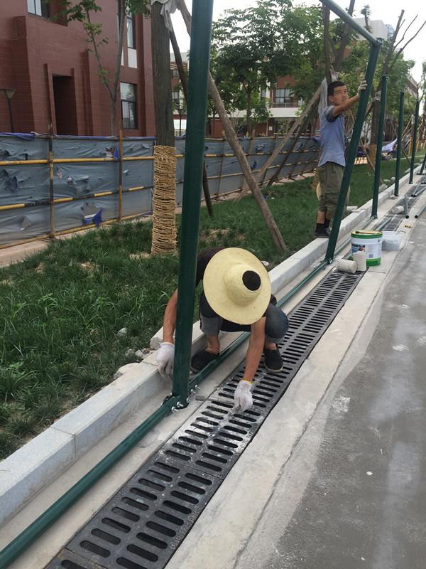 防护栏施工现场