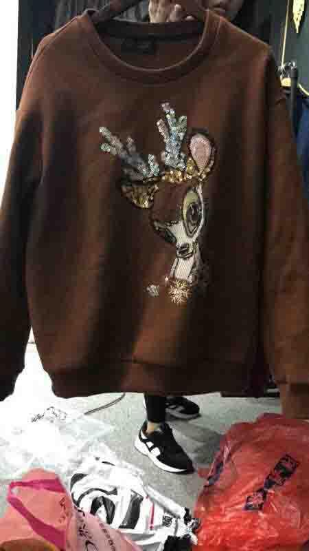 可爱刺绣鹿图案卫衣