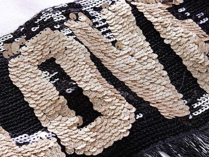 亮片绣采用的是什么布面料?亮片布的材质特点介绍!